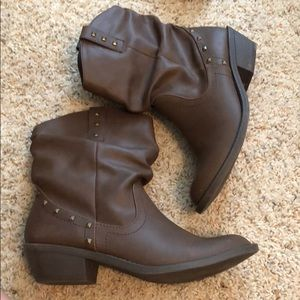 Size 9 brown booties